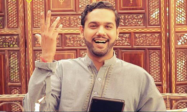 Throwback: Ali Gul Pir and Mooro ask 'Kaisa Diya'