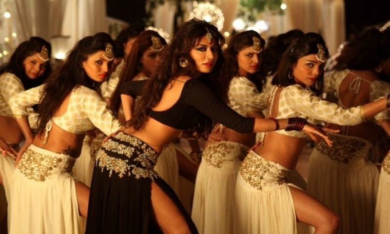 The song 'Aao Raja' has actually been copied from Naseebo Lal's 'Kundi Na Kharka'.