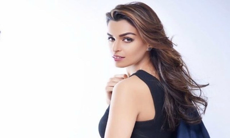 """""""I'm a lawyer by education but an actor by birth,"""" says Sarish Khan, Miss Pakistan USA"""
