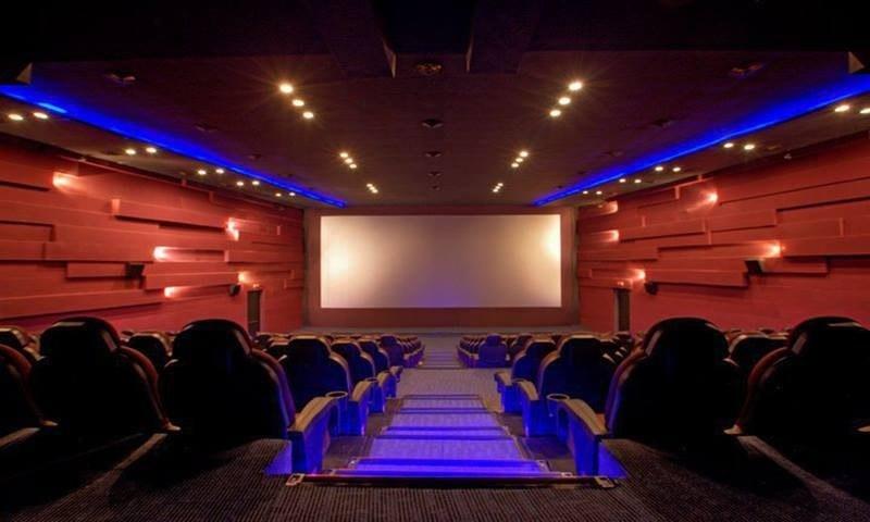 Pakistani cinemas struggle to survive