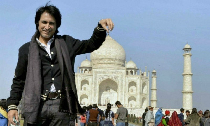 Ramiz Raja signs Sanjay Dutt for his movie called Torbaaz
