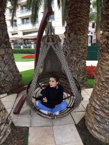 Ayesha Omar and Amna Ilyas are in Turkey. We found out why