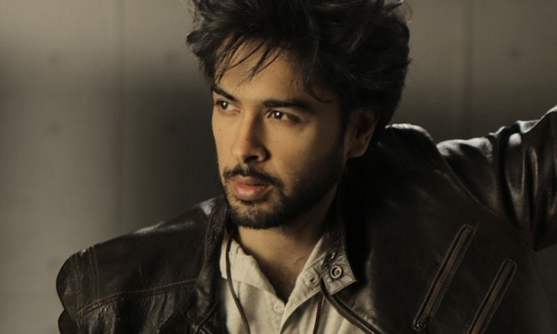 Shehzad Roy's latest song Lafz highlights how book piracy is a crime!