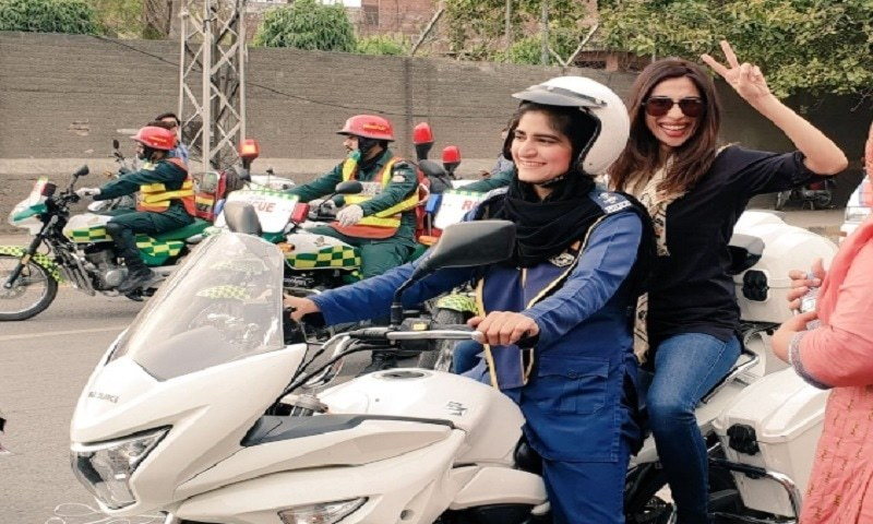 """Did somebody say I fled to Canada,"" Meesha Shafi takes active part in Women On Wheels rally in Lahore"