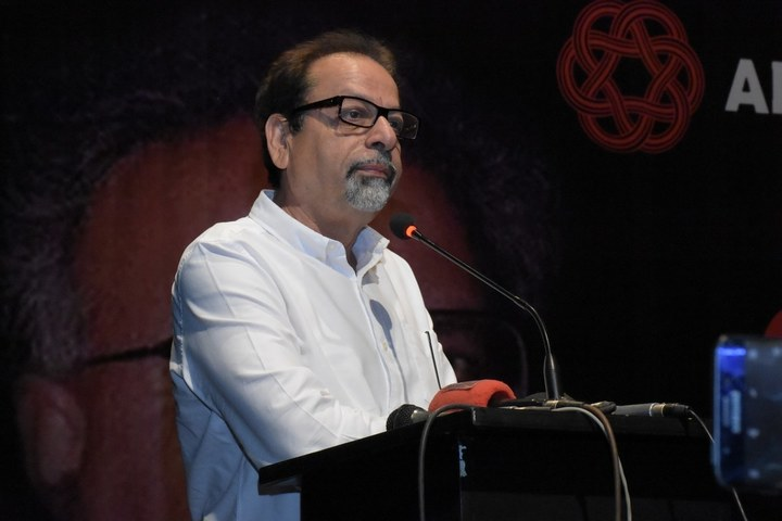 Karachi Arts Council President condemns Akhtar, Azmi's 'Anti-Pakistan' Tweets