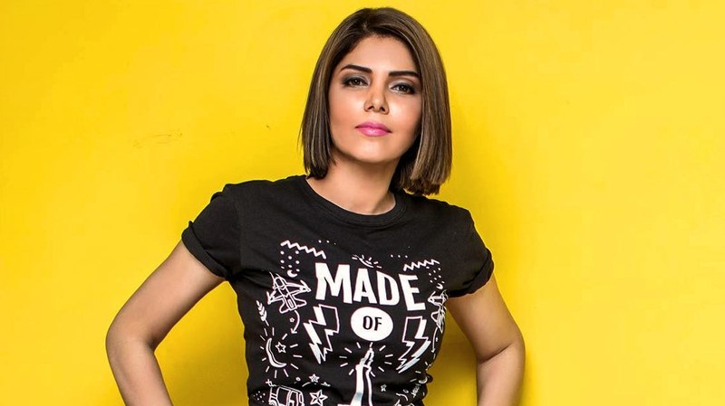 "Here's How Hadiqa Kiani Schooled a Lady Over Calling Her ""Aunty"""