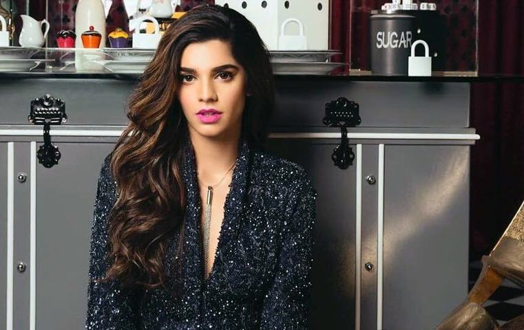 Sanam Saeed Urges For A Free Helpline For Suicide!