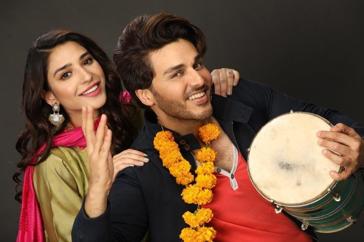 HIP Reviews 'Shahrukh Ki Saaliyan' Ep 5: Ramsha Khan is Keeping Up with the Roller Coaster Ride
