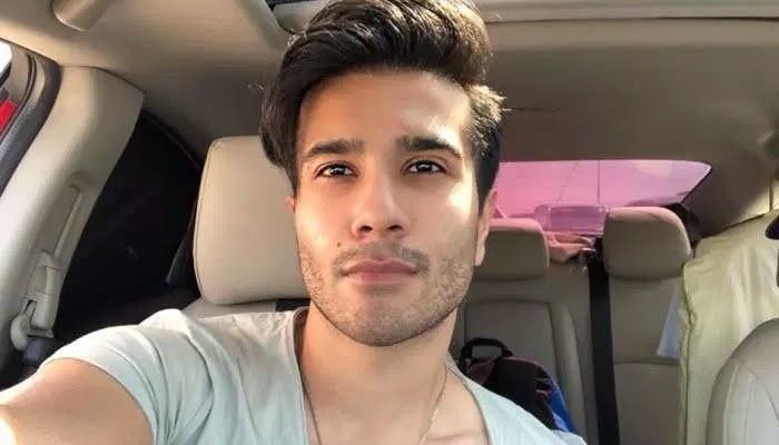 Feroze Khan Has Had Enough of Momina Duraid