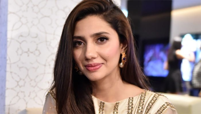 Mahira Khan advising the nation to look out for underprivileged
