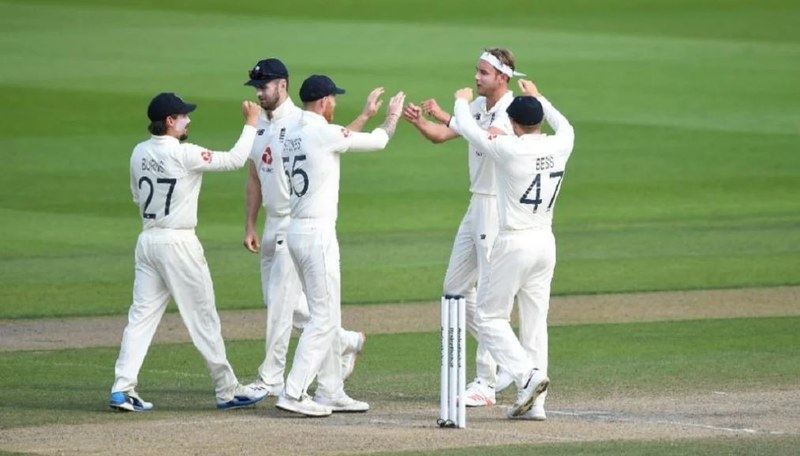 England Snatch Victory from Jaws of Defeat at Old Trafford