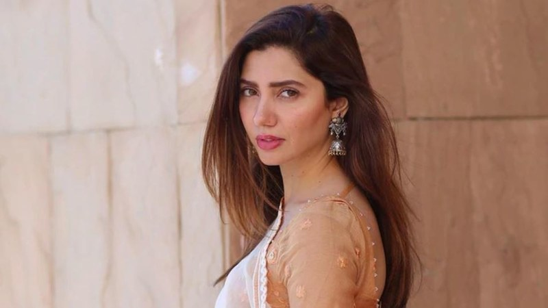 Mahira Khan Among Celebrities Affected by Second Wave of COVID-19