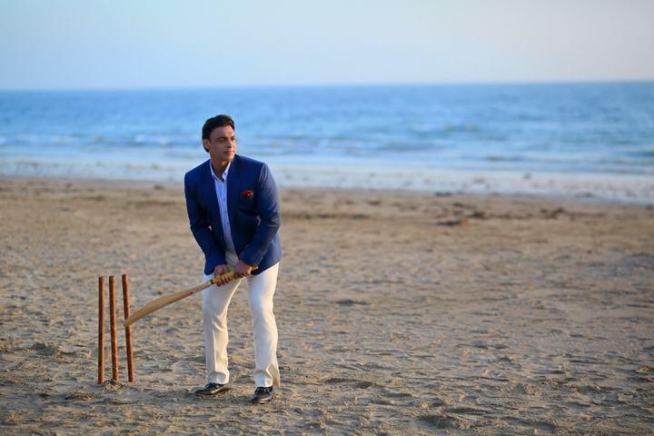 Shoaib Akhtar spreads love in Mezan's latest Video