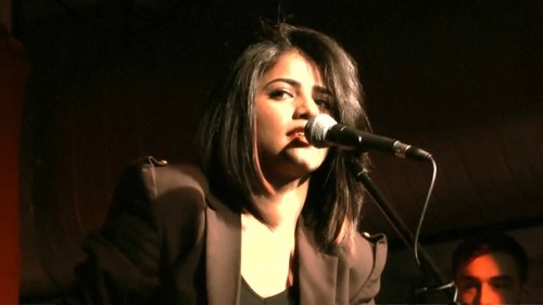 Bollywood Calling: Quratulain Balouch amazes India with Kaari Kaari