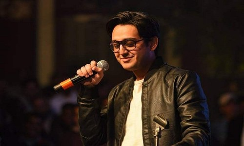 Shafaat Ali gives these singers a run for their money