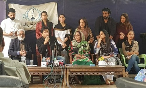Celebs demand justice for Zainab!