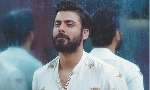 Fawad Khan's Poetry Recital Leaves Us Mesmerized