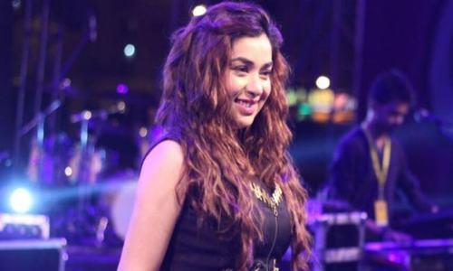 "Komal Rizvi's ""My Immortal"" and ""Aitebar"" mashup is out now!"