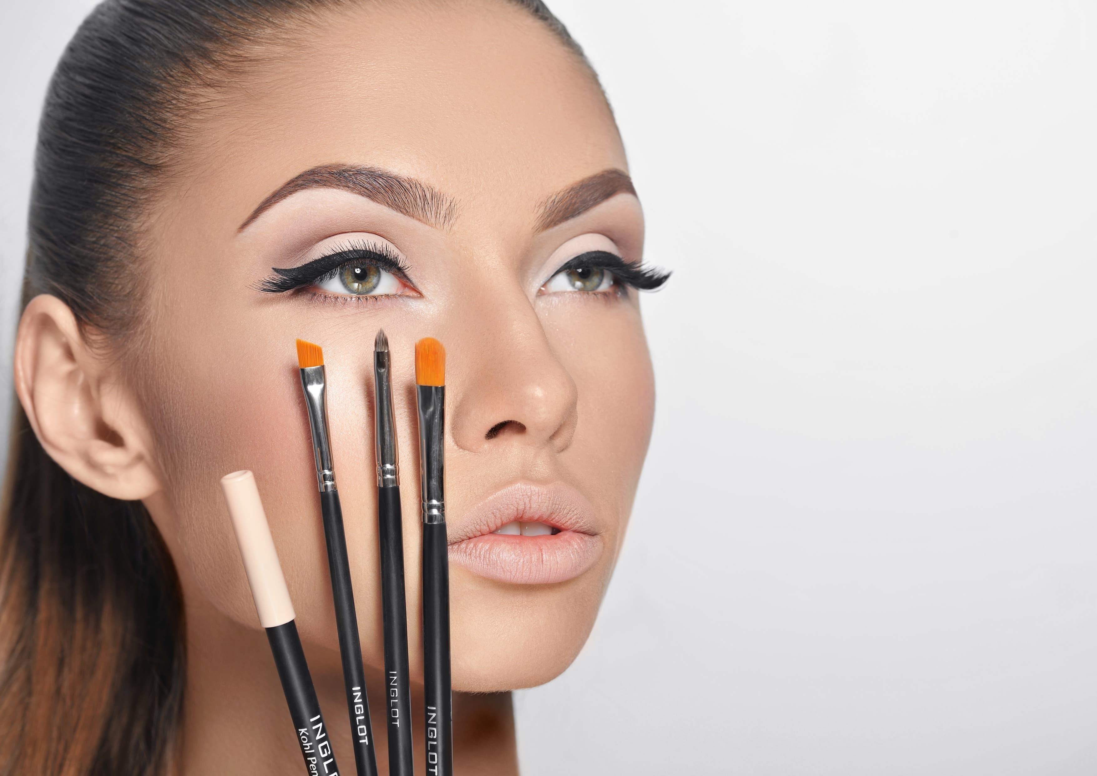 Профессиональная декоративная косметика для визажистов a 21 фотография