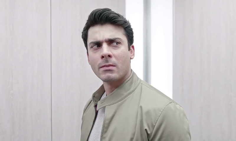 "When Oochi says, ""I don't know who he is!"" to Fawad Khan's face."