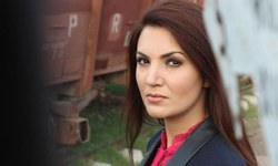 10 gorgeous stars who could play Reham in 'Kaptaan'