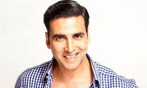 """I have learnt my comic timings from Umer Sharif,"" Akshay Kumar"