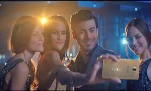 Fawad Khan 'taking a chance' in Samsung's new TVC