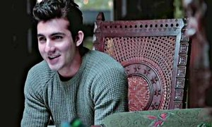 When will Shahroz Sabzwari make his silver screen debut?