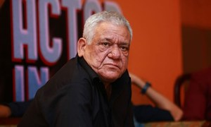Pakistani Celebrities mourn the sudden demise of Om Puri
