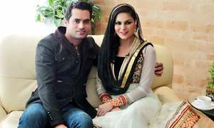 Veena and hubby rekindle and release a duet