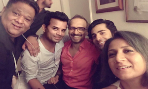 Asim Raza turns 51 with a star studded birthday bash