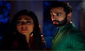 The chemistry crackles between Azfar Rehman and Noor Khan in Khidmat Guzar's teaser