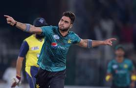 Usman Shinwari suffers stress fracture
