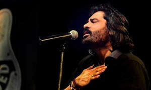 Shafqat Amanat Ali hits gold with latest song from Na Band Na Baraati