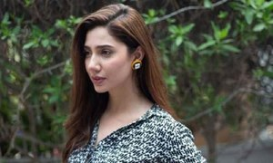 Shaan isn't impressed with Mahira's debut at Cannes!