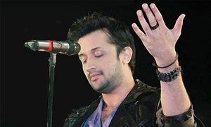 Atif Aslam receives criticism for singing Indian song at an independence day parade!