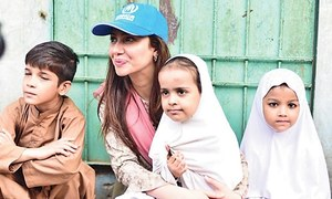 Mahira Khan Meets Afghan Refugees in Peshawar