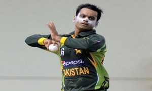 Pakistan missing the Hafeez choke!