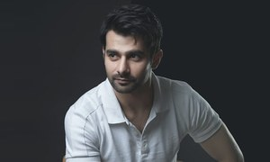 Umer Naru on theatre and Shah Sharabeel's 'Twins Apart'