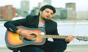 Nabeel Shaukat Ali woos with the OST of Juda Na Hona