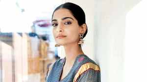 Sonam Kapoor Bashed by Indians for Promoting Peace