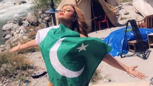 Rakhi Sawant Poses with the Pakistani Flag and Faces a Massive Backlash!