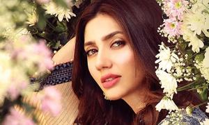 Rahul Dholakia Shares a Nostalgic Look of Mahira Khan from the Film Raees
