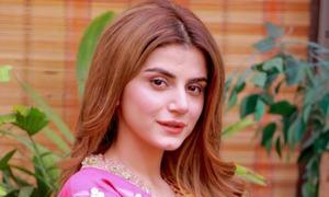 Zubab Rana Makes Us Want To See Drama Rishtay Biktay Hain ASAP