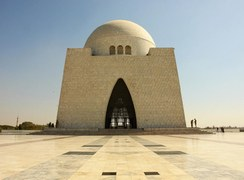 Celebrities Condemn the Invasion of Quaid-e-Azam's Mazar