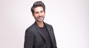 Adeel Chaudhry's 'Main Agar Chup Hoon' Has the Audience Hooked