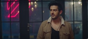 Azaan Sami Khan's 'Main Tera' Takes Us Back into the 90s!